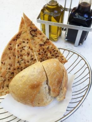brio-tuscan-grille-irvine-spectrum-bread