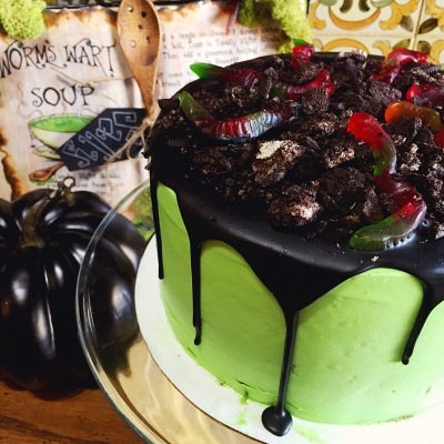 creme-and-sugar-halloween-nightmare-before-christmas-theme-oogie-boogie-cake-bakery-anaheim-cafe-coffee-tea