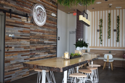 coffee-for-2-huntington-beach-bella-terra-cafe-shop-oc-food-fiend-ocfoodfiend-inside