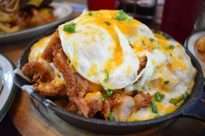 ocfoodfiend-oc-food-fiend-mamas-on-39-huntington-beach-brunch-breakfast-orange-county-places-to-eat-pancakes-milkshakes-deals-local-american-food-blogger-foodie-photography-restaurant-sk