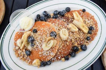 ocfoodfiend-oc-food-fiend-mamas-on-39-huntington-beach-brunch-breakfast-orange-county-places-to-eat-pancakes-milkshakes-deals-local-american-food-blogger-foodie-photography-restaurant