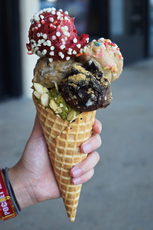 dough-and-arrow-edible-cookie-dough-costa-mesa-orange-county-latest-trend-instagram-food-blogger-ocfoodfiend-oc-fiend-blogger-restaurant-hype-review-cones