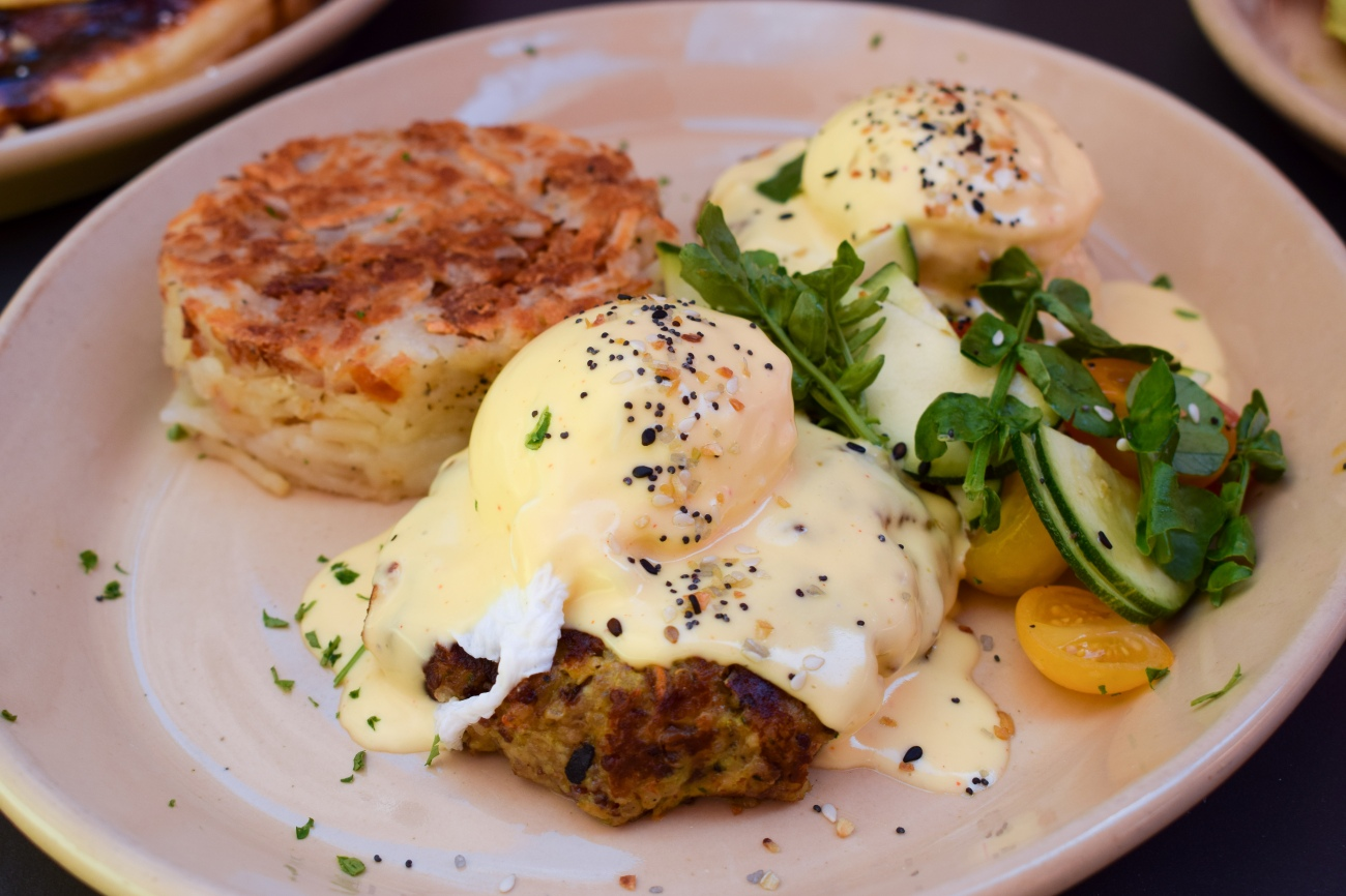snooze-am-eatery-breakfast-brunch-tustin-san-diego-spring-menu-new-ocfoodfiend-oc-food-fiend-foodie-mimosa-alchohol-restaurant-cafe-eggs-benedict-where-to