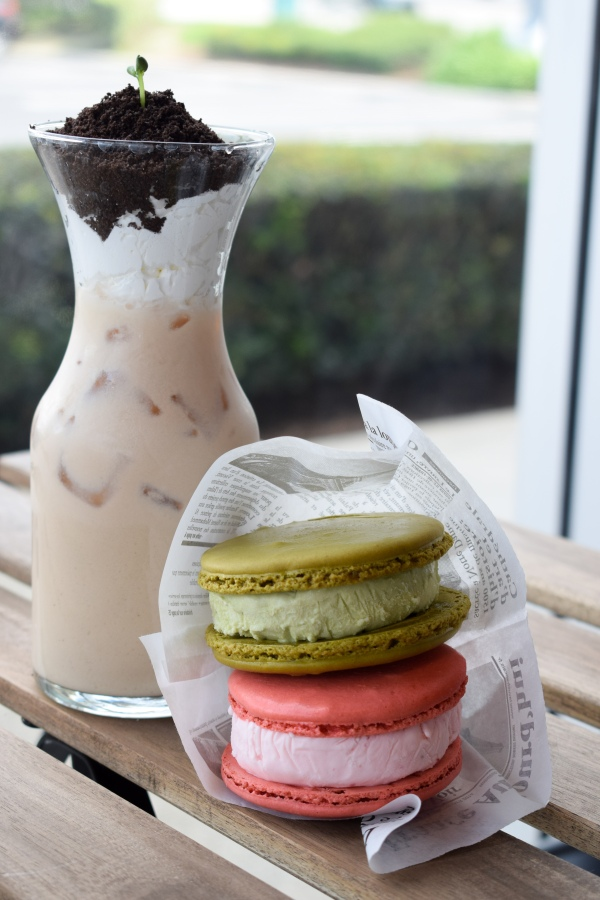 Macchiato-Group-Santa-Ana-Boba-Coffee-Cafe-Macaron-Dessert-Bleu-House-OC-Food-Fiend-OCfoodfiend-Blogger-Foodie.jpg