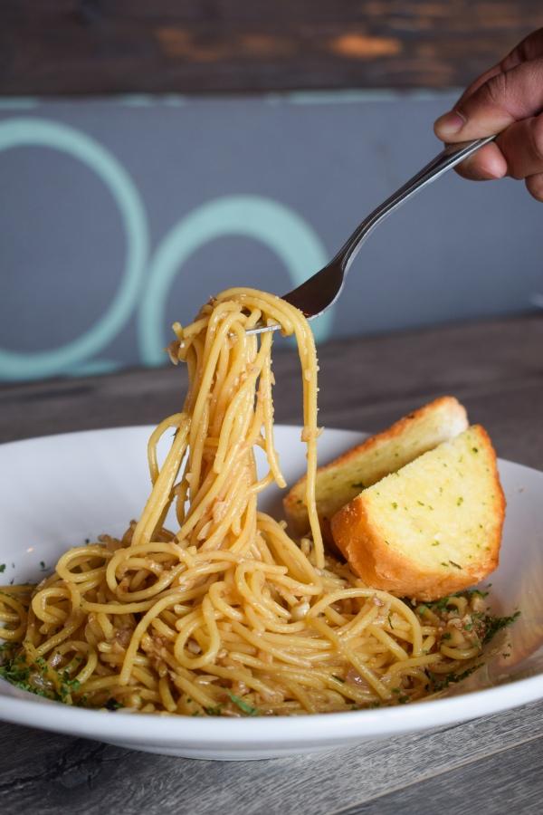 ocfoodfiend-oc-food-fiend-instagram-fries-pirates-kitchen-fullerton-csuf-student-discount-lunch-special-cajun-shrimp-garlic-noodles-bar