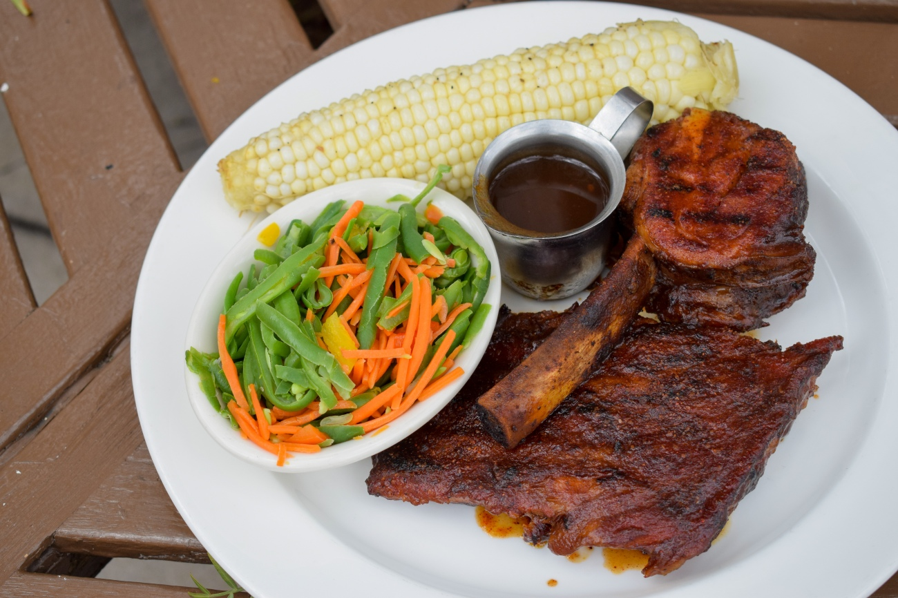 Lucilles-BBQ-Smokehouse-Lunch-Dinner-New-Specials-OCfoodfiend-OC-Food-Fiend-Blogger-Restaurant-Barbeque-Orange-County-St-Louis-Rib-Chop-Long-Beach-Tustin