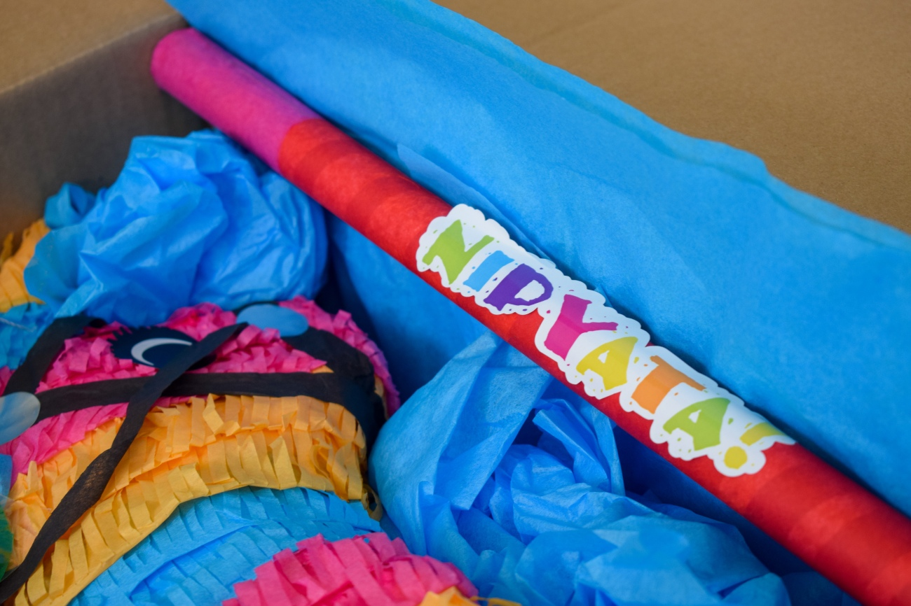 Nipyata-Booze-Alchohol-Filled-Pinata-Party-Games-Birthday-Parties-Fun-OCfoodfiend-Product-Review-Game