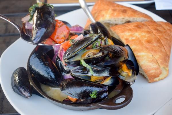 bonefish-grill-bone-fish-tustin-happy-hour-restaurant-ocfoodfiend-oc-food-fiend-irvine-marketplace-socal-seafood-mussels