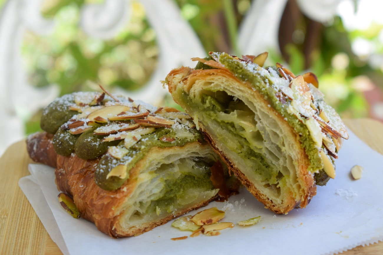 Midori-Matcha-Downtown-Los-Angeles-Orange-County-First-OC-location-Tea-Organic-Healthy-Drinks-Desserts-Soft-Serve-New-OCfoodfiend-Foodie-Food-Cafe-SOCO-South-Coast-Croissant