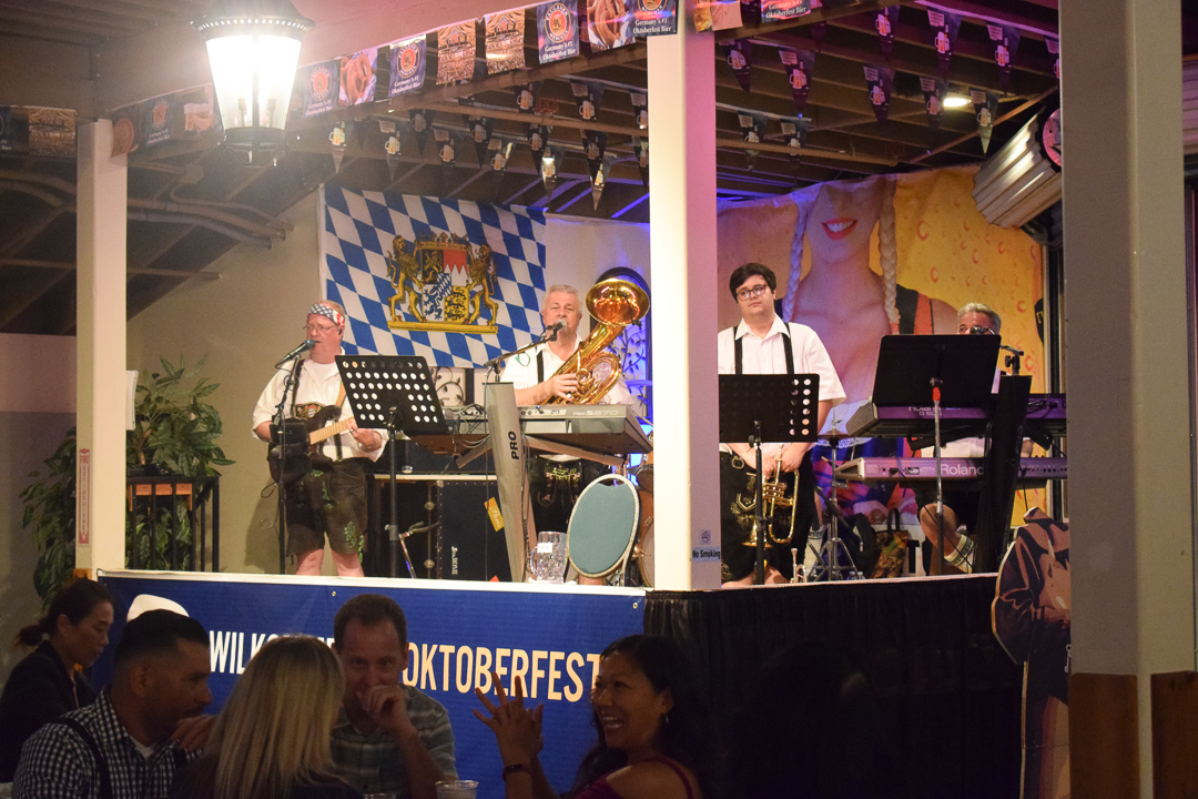 Oktoberfest-Old-World-Village-Orange-County-OC-food-fiend-Where-To-Go-German-Beer-Chicken-Dance-Strudel-Bratwurst-Entertainment-SoCal-CA-Huntington-Beach-music