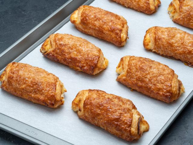 Portos-Bake-Home-cheese-roll