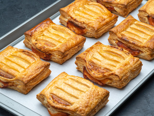 Portos-Bake-Home-guava-and-cheese-refugiado-pastry